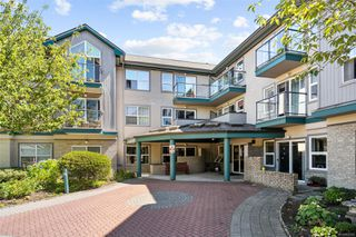 Photo 2: 302 1485 Garnet Rd in : SE Cedar Hill Condo Apartment for sale (Saanich East)  : MLS®# 852368