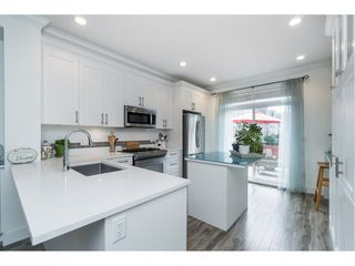 """Photo 9: 4 3039 156 Street in Surrey: Grandview Surrey Townhouse for sale in """"NICHE"""" (South Surrey White Rock)  : MLS®# R2502386"""