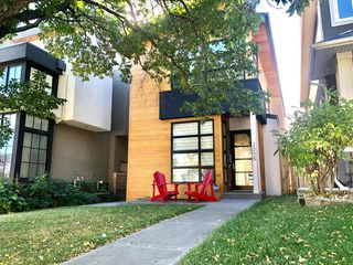 Main Photo: 2005 43 Avenue SW in Calgary: Altadore Detached for sale : MLS®# A1037993