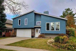 Photo 1: 30 LANGHOLM Drive: St. Albert House for sale : MLS®# E4218192