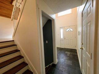 Photo 3: 30 LANGHOLM Drive: St. Albert House for sale : MLS®# E4218192