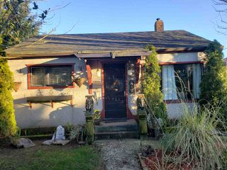 Photo 1: 2132 HAMILTON STREET in New Westminster: Connaught Heights House  : MLS®# R2442760
