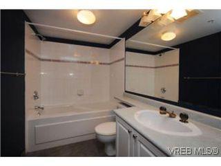 Photo 12: 111 1083 Tillicum Road in VICTORIA: Es Kinsmen Park Condo Apartment for sale (Esquimalt)  : MLS®# 274892