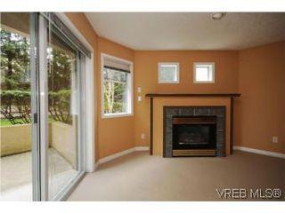 Photo 6: 111 1083 Tillicum Road in VICTORIA: Es Kinsmen Park Condo Apartment for sale (Esquimalt)  : MLS®# 274892