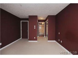 Photo 13: 111 1083 Tillicum Road in VICTORIA: Es Kinsmen Park Condo Apartment for sale (Esquimalt)  : MLS®# 274892