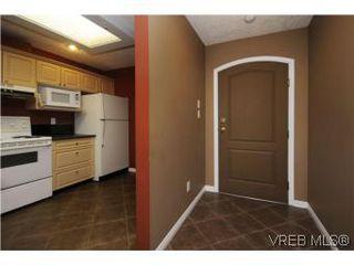 Photo 7: 111 1083 Tillicum Road in VICTORIA: Es Kinsmen Park Condo Apartment for sale (Esquimalt)  : MLS®# 274892