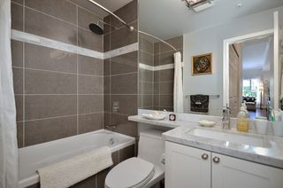 """Photo 8: 119 511 W 7TH Avenue in Vancouver: Fairview VW Condo for sale in """"BEVERLY GARDENS"""" (Vancouver West)  : MLS®# V956818"""