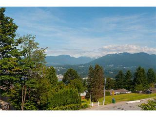 Photo 7: 126 N HYTHE Avenue in Burnaby: Capitol Hill BN House for sale (Burnaby North)  : MLS®# V1015632
