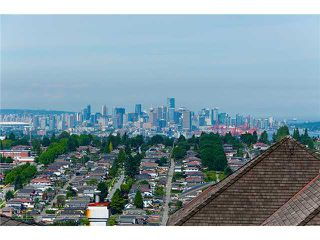 Photo 1: 126 N HYTHE Avenue in Burnaby: Capitol Hill BN House for sale (Burnaby North)  : MLS®# V1015632