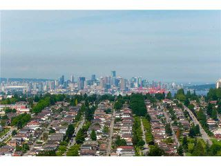 Photo 2: 126 N HYTHE Avenue in Burnaby: Capitol Hill BN House for sale (Burnaby North)  : MLS®# V1015632
