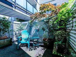 Photo 4: 104 1554 BURNABY STREET in Vancouver: West End VW Condo for sale (Vancouver West)  : MLS®# R2089481