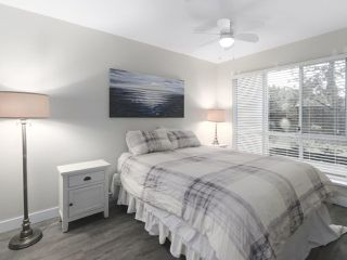 """Photo 19: 203 15991 THRIFT Avenue: White Rock Condo for sale in """"ARCADIAN"""" (South Surrey White Rock)  : MLS®# R2426934"""
