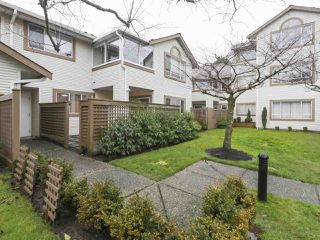 """Photo 17: 203 15991 THRIFT Avenue: White Rock Condo for sale in """"ARCADIAN"""" (South Surrey White Rock)  : MLS®# R2426934"""