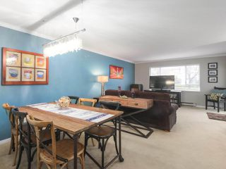 """Photo 7: 203 15991 THRIFT Avenue: White Rock Condo for sale in """"ARCADIAN"""" (South Surrey White Rock)  : MLS®# R2426934"""