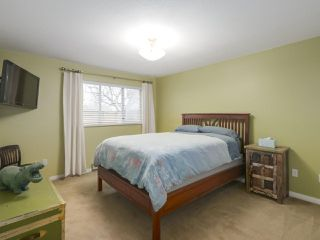 """Photo 12: 203 15991 THRIFT Avenue: White Rock Condo for sale in """"ARCADIAN"""" (South Surrey White Rock)  : MLS®# R2426934"""