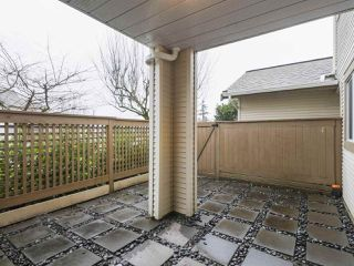 """Photo 15: 203 15991 THRIFT Avenue: White Rock Condo for sale in """"ARCADIAN"""" (South Surrey White Rock)  : MLS®# R2426934"""