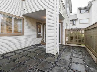 """Photo 16: 203 15991 THRIFT Avenue: White Rock Condo for sale in """"ARCADIAN"""" (South Surrey White Rock)  : MLS®# R2426934"""