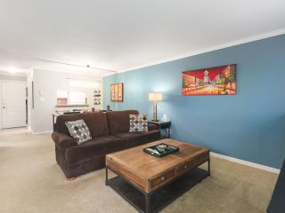 """Photo 4: 203 15991 THRIFT Avenue: White Rock Condo for sale in """"ARCADIAN"""" (South Surrey White Rock)  : MLS®# R2426934"""