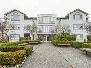 """Photo 1: 203 15991 THRIFT Avenue: White Rock Condo for sale in """"ARCADIAN"""" (South Surrey White Rock)  : MLS®# R2426934"""