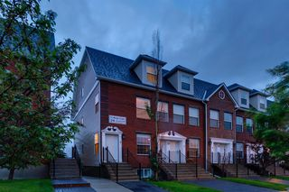 Photo 1: 3 29 SPRINGBOROUGH Boulevard SW in Calgary: Springbank Hill Row/Townhouse for sale : MLS®# A1012548