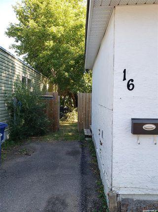 Photo 2: 16 321 Dunlop Street in Saskatoon: Forest Grove Residential for sale : MLS®# SK823901