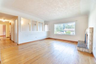 Photo 32: 949 McBriar Ave in : SE Lake Hill House for sale (Saanich East)  : MLS®# 854961