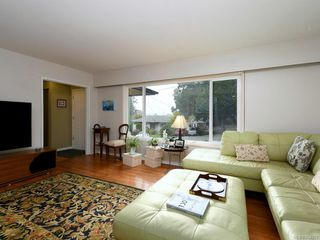 Photo 3: 761 Genevieve Rd in : SE High Quadra House for sale (Saanich East)  : MLS®# 854970