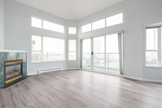"""Main Photo: 305 177 W 5TH Street in North Vancouver: Lower Lonsdale Condo for sale in """"Jade"""" : MLS®# R2498781"""