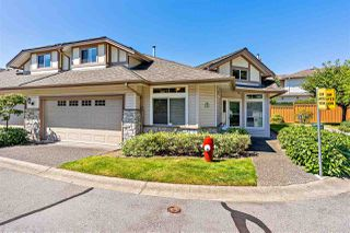 "Photo 1: 12 16325 82 Avenue in Surrey: Fleetwood Tynehead Townhouse for sale in ""Hampton Woods"" : MLS®# R2499161"