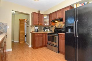 Photo 6: 15837 Thrift Avenue in White Rock: Home for sale : MLS®# F1005736