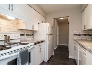 """Photo 3: 2303 10620 150 Street in Surrey: Guildford Townhouse for sale in """"LINCOLN'S GATE"""" (North Surrey)  : MLS®# R2520617"""