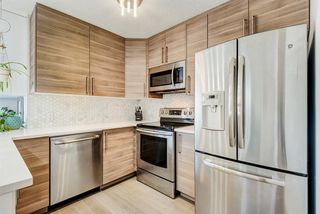 Photo 4: 1503 7171 Coach Hill Road SW in Calgary: Coach Hill Row/Townhouse for sale : MLS®# A1059178