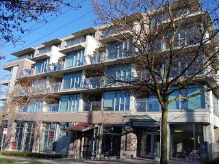 "Photo 1: 213 2520 MANITOBA Street in Vancouver: Mount Pleasant VW Condo for sale in ""VUE"" (Vancouver West)  : MLS®# V929976"