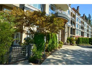 "Photo 1: 105 3600 WINDCREST Drive in North Vancouver: Roche Point Townhouse for sale in ""WINDSONG"" : MLS®# V932458"
