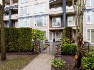 "Photo 3: 105 3600 WINDCREST Drive in North Vancouver: Roche Point Townhouse for sale in ""WINDSONG"" : MLS®# V932458"