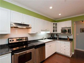 """Photo 2: 26 788 W 15TH Avenue in Vancouver: Fairview VW Townhouse for sale in """"SIXTEEN WILLOWS"""" (Vancouver West)  : MLS®# V938784"""