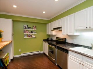"""Photo 3: 26 788 W 15TH Avenue in Vancouver: Fairview VW Townhouse for sale in """"SIXTEEN WILLOWS"""" (Vancouver West)  : MLS®# V938784"""
