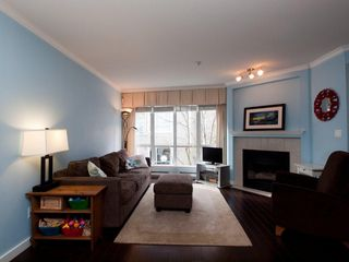 "Photo 5: 26 788 W 15TH Avenue in Vancouver: Fairview VW Townhouse for sale in ""SIXTEEN WILLOWS"" (Vancouver West)  : MLS®# V938784"