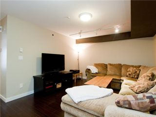 """Photo 5: 26 788 W 15TH Avenue in Vancouver: Fairview VW Townhouse for sale in """"SIXTEEN WILLOWS"""" (Vancouver West)  : MLS®# V938784"""