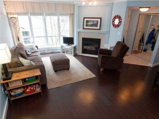"""Photo 6: 26 788 W 15TH Avenue in Vancouver: Fairview VW Townhouse for sale in """"SIXTEEN WILLOWS"""" (Vancouver West)  : MLS®# V938784"""