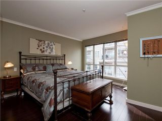 """Photo 8: 26 788 W 15TH Avenue in Vancouver: Fairview VW Townhouse for sale in """"SIXTEEN WILLOWS"""" (Vancouver West)  : MLS®# V938784"""