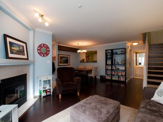 "Photo 7: 26 788 W 15TH Avenue in Vancouver: Fairview VW Townhouse for sale in ""SIXTEEN WILLOWS"" (Vancouver West)  : MLS®# V938784"