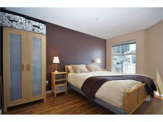 "Photo 5: 415 147 E 1ST Street in North Vancouver: Lower Lonsdale Condo for sale in ""CORONADO"" : MLS®# V980057"