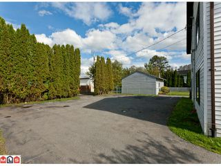 Photo 1: 20199 53RD AV in Langley: Langley City Home for sale : MLS®# F1125426