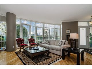"Photo 2: 1035 MARINASIDE Crescent in Vancouver: Yaletown Townhouse for sale in ""Quaywest"" (Vancouver West)  : MLS®# V1003827"