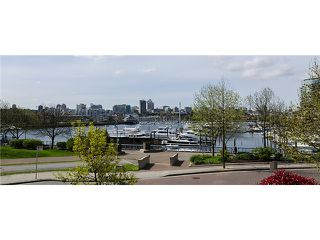 "Photo 9: 1035 MARINASIDE Crescent in Vancouver: Yaletown Townhouse for sale in ""Quaywest"" (Vancouver West)  : MLS®# V1003827"