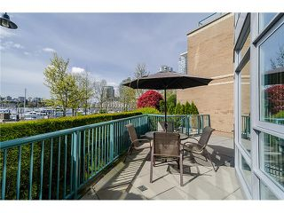 "Photo 10: 1035 MARINASIDE Crescent in Vancouver: Yaletown Townhouse for sale in ""Quaywest"" (Vancouver West)  : MLS®# V1003827"