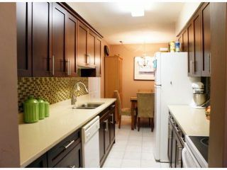 """Photo 2: # 76 14129 104 AV in Surrey: Whalley Townhouse for sale in """"HAWTHORNE PARK"""" (North Surrey)  : MLS®# F1321623"""