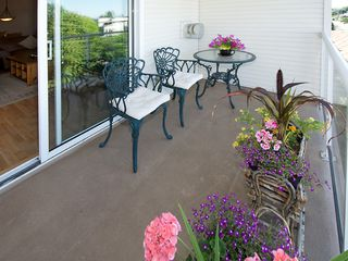 "Photo 5: 402 4758 53RD Street in Ladner: Delta Manor Condo for sale in ""SUNNINGDALE III"" : MLS®# V1075511"