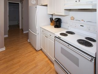 "Photo 7: 402 4758 53RD Street in Ladner: Delta Manor Condo for sale in ""SUNNINGDALE III"" : MLS®# V1075511"